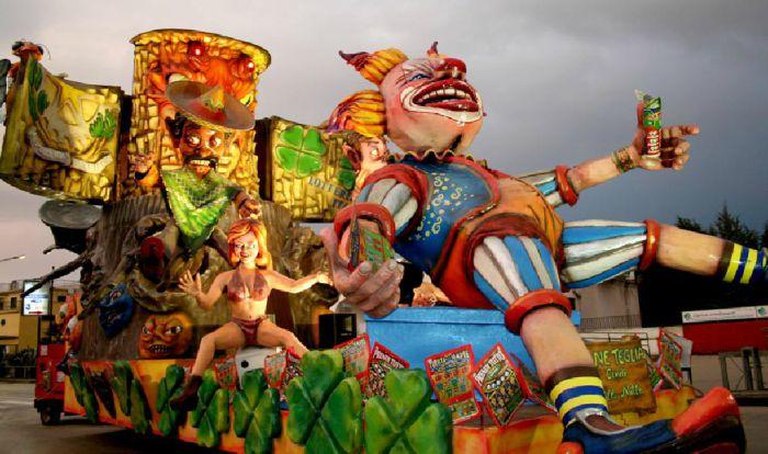 Carnevale di Saviano 2021: sfilata dei carri allegorici, programma e date