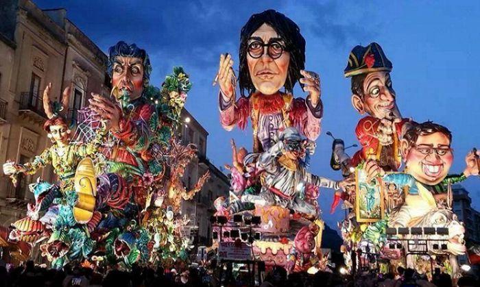 Carnevale di Striano 2021: programma e date della sfilata dei carri allegorici