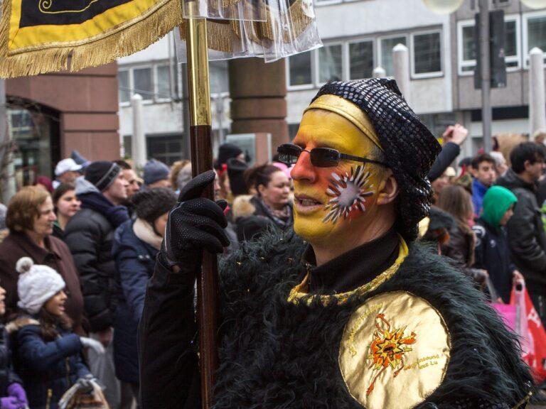 Carnevale di Borgosesia 2021: Peru Magunella, la Gin ed il Mercu Scûrot