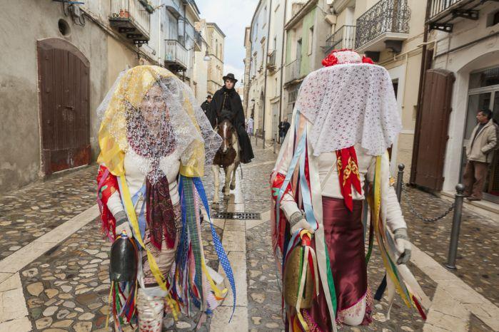 Carnevale di Tricarico 2020: programma e date della sfilata dei carri allegorici