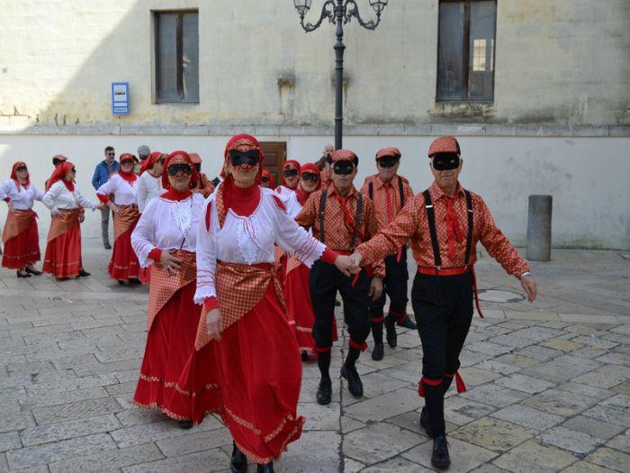 Carnevale di Montescaglioso 2021: programma e date delle sfilate dei carri allegorici