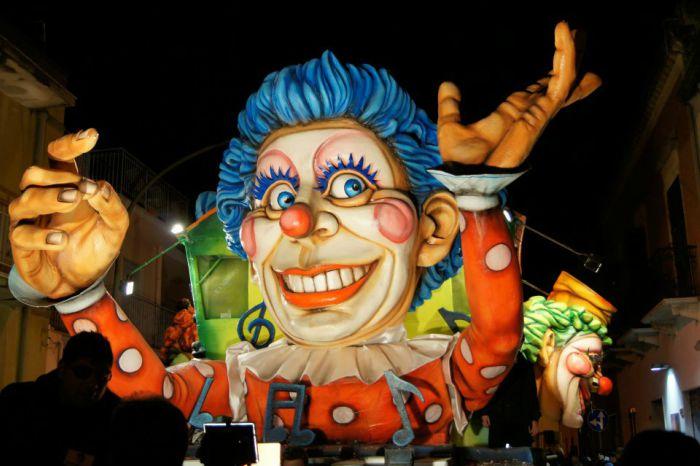 Carnevale di Valderice 2021: il programma della sfilata dei carri allegorici