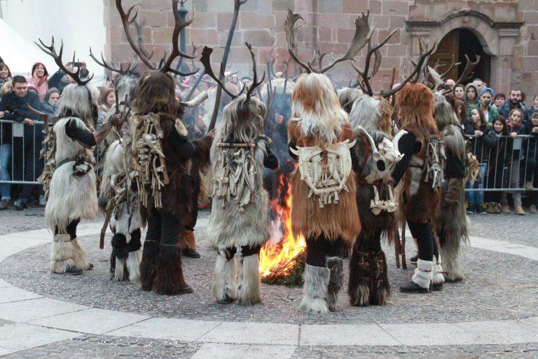 Carnevale di Samugheo 2021: a Maimone, su carrasegare antigu samughesu