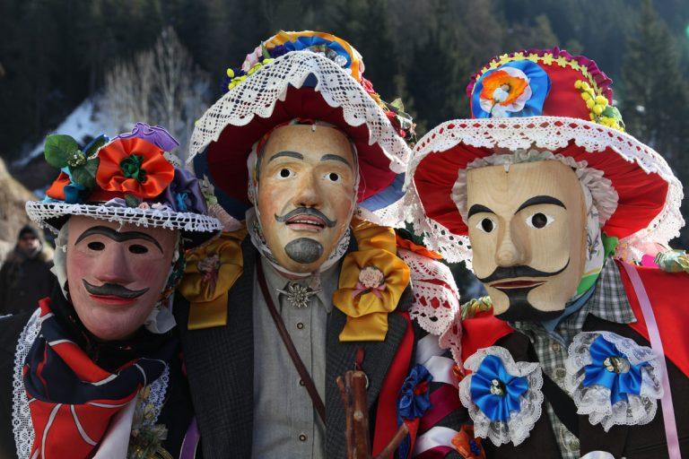 Carnevale di Valfloriana 2021: scopri i Matoci, le antiche maschere della festa!