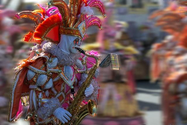 Carnevale di Putignano 2021: programma, date e sfilate dei carri allegorici